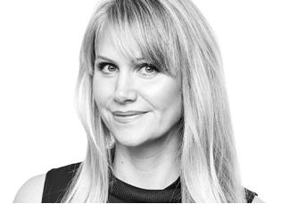 Lisa Barnes, Jury Mobilia NEXT