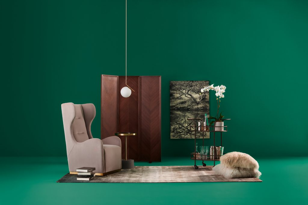 Vignette by Gillian Segal – On emerald backdrop