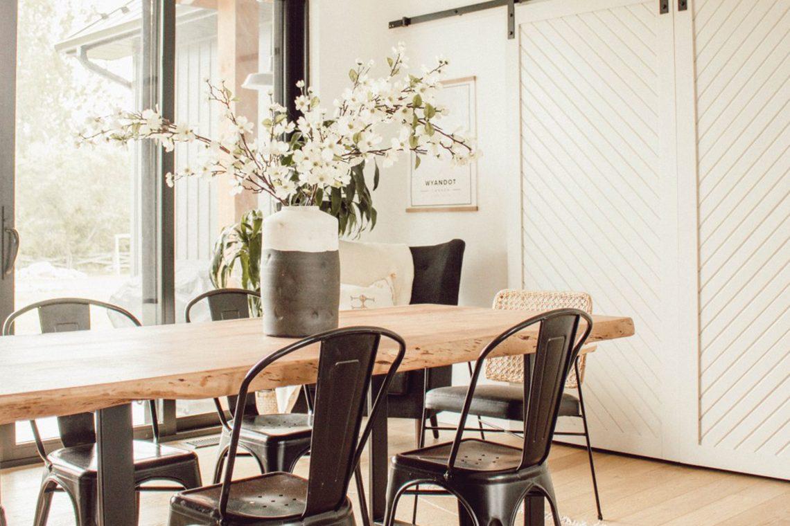 Kassandra Dekoning dining room